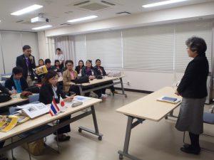 講義後に代表者から多田教授へお礼の挨拶